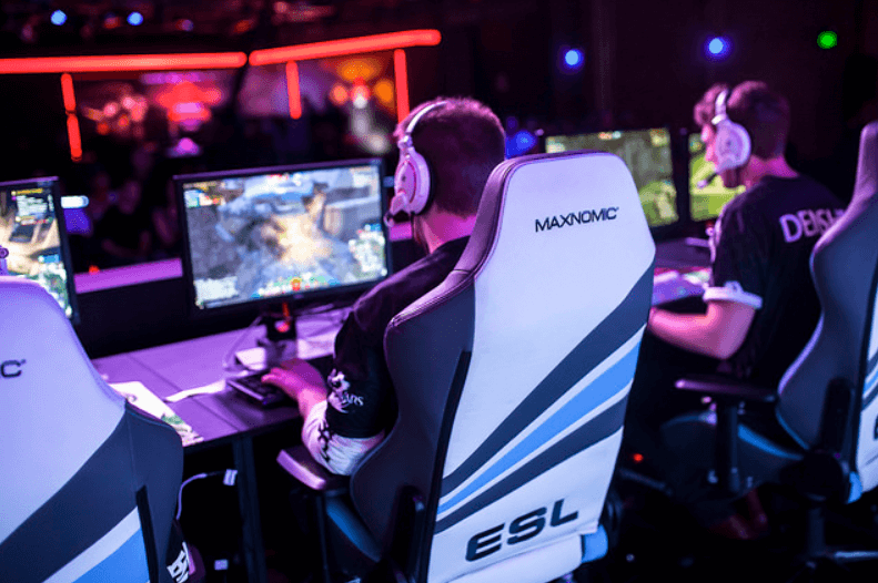 maxnomic gaming chair in an eSport event