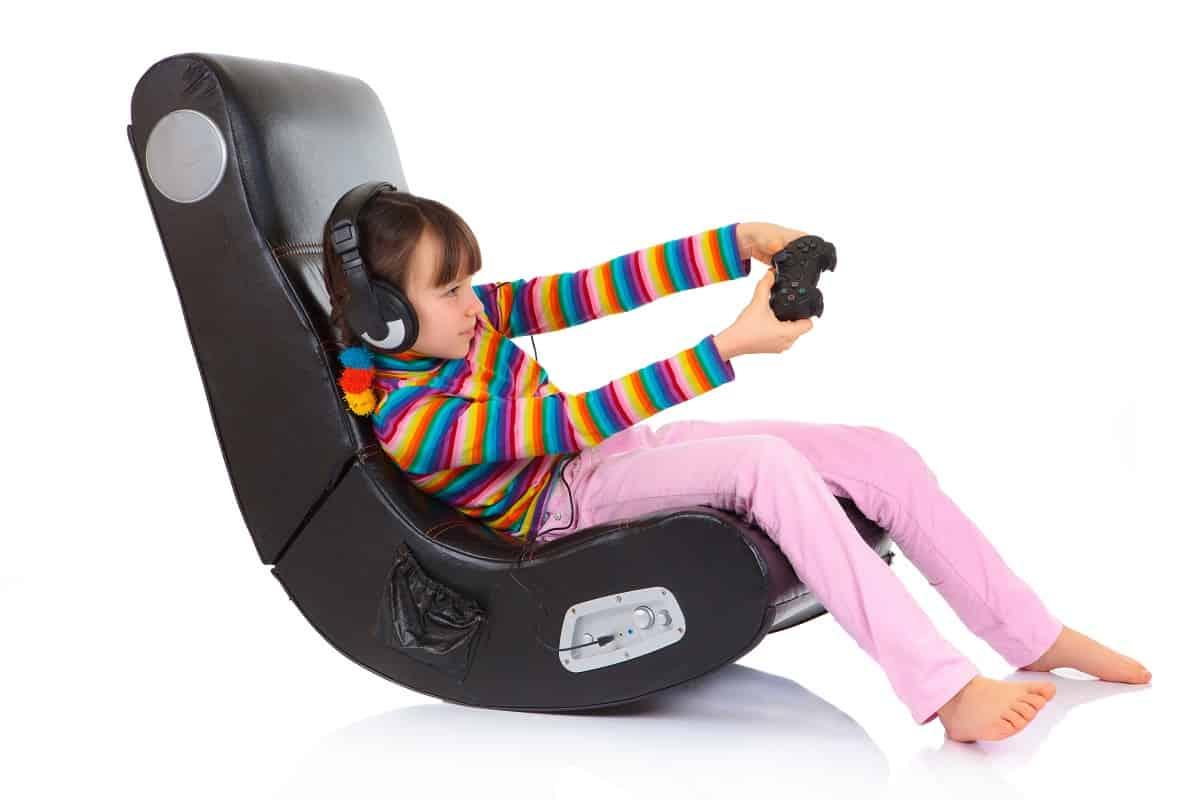 GT Omega vs DXRacer - chairsforgames.com